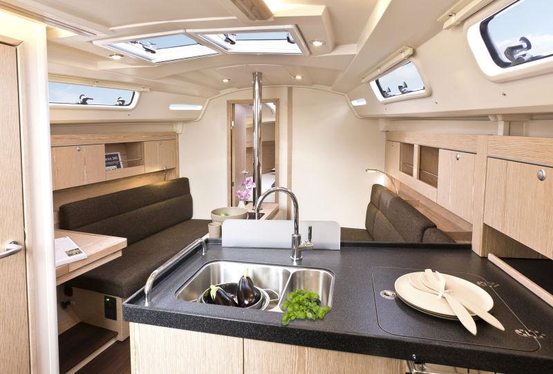 hanse 345 voilier hanse yachts importateur france. Black Bedroom Furniture Sets. Home Design Ideas