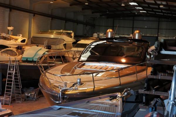 stockage, hangar à bateaux à Cannes