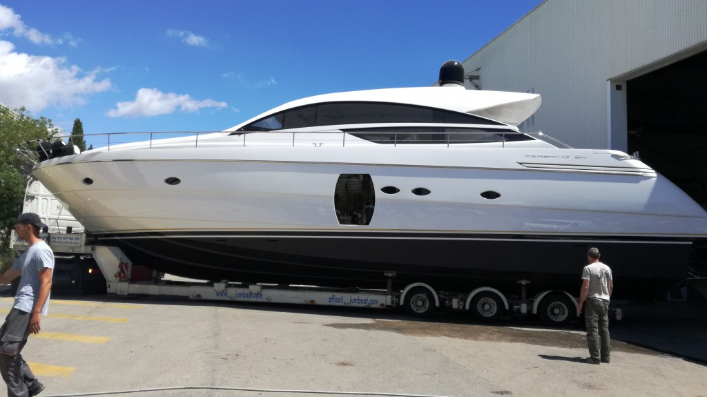 hangar à bateaux à Cannes